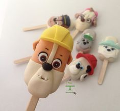 Cake Topper Tutorial, Cake Toppers, Magnum Paleta, Cake Pop Decorating, Christmas Candy Gifts, Ice Pops, Chocolate Covered Strawberries, Cookies And Cream, Cakepops