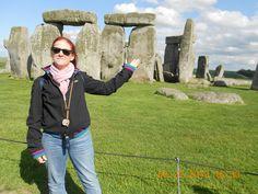 Fotografía: Viviane S Denardi - Stonehenge Stonehenge, Vest, Jackets, Fashion, Pictures, Down Jackets, Moda, Fashion Styles, Fashion Illustrations