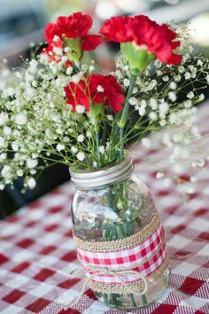 26 ideas backyard bbq party decorations mason jars for 2019 Deco Table Champetre, Bbq Party Decorations, Bbq Table, Birthday Bbq, Backyard Birthday, Birthday Table, I Do Bbq, Backyard Bbq, Wedding Backyard