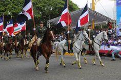 Santiago rinde tributo con desfile en honor héroes Batalla del 30 de Marzo