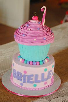 3-D Cupcake 2-tier cake