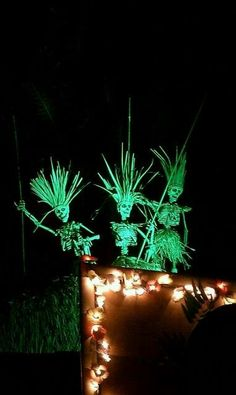 37 Whimsy And Bold Tropical Halloween Ideas - DigsDigs Voodoo Party, Voodoo Halloween, Halloween 2019, Holidays Halloween, Halloween Themes, Happy Halloween, Halloween Decorations, Halloween Party, Halloween Diorama