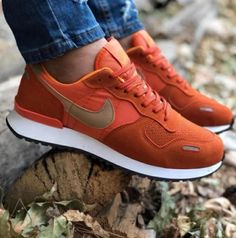 Nike Air Vortex portocaliu-crem Marimo, Nike Air, Barbie, Sneakers Nike, Shoes, Women, Fashion, Nike Tennis, Moda