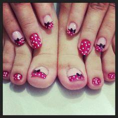 Uñas Minnie Mouse. Bow nails.