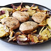 WW ONE-PAN PORK CHOPS WITH FENNEL, ONION AND APPLE