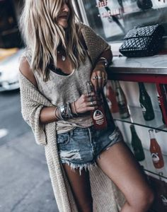Trending Summer Outfits to Wear ASAP & Cardigan Trendige Sommeroutfits, die so schnell wie möglich einen Cardigan tragen The post Sommer-Outfits im Trend & Cardigan & appeared first on Modetrends. Mode Outfits, Casual Outfits, Fashion Outfits, Dress Casual, Boho Chic Outfits Summer, Layered Summer Outfits, Summer Outfits For Vacation, Fall Beach Outfits, Fashion Clothes