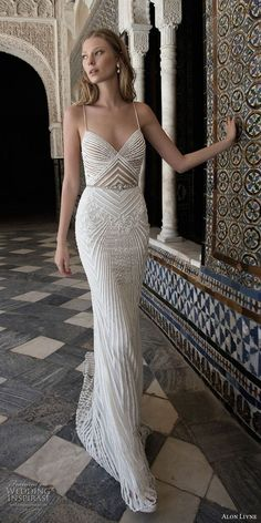 awesome 42 Stylish Wedding Dress Ideas with Classical Touch  http://www.lovellywedding.com/2017/11/25/42-stylish-wedding-dress-ideas-classical-touch/