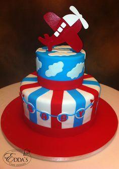 #Newborn #Cake -  http://www.eddascakedesigns.com/