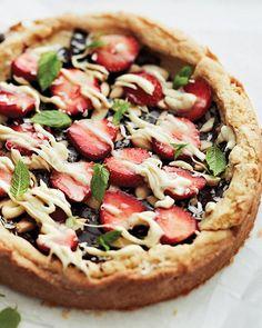 Chocolate, Strawberry, & Macadamia Dessert Pizza with a Sugar Cookie Crust