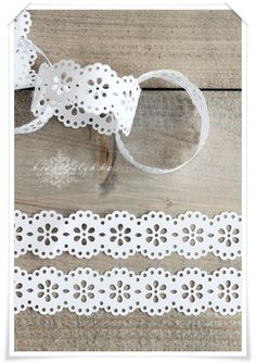 "Dainty Lace Chain - it looks like this was made using the Martha Stewart Crafts Deep Edger Punch ""Doily Lace"" # 10073906"