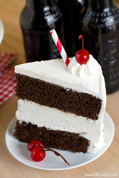 Root Beer Float Ice Cream Cake recipe - YUM!!