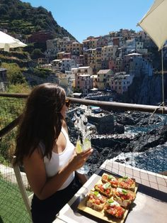 Today's post is a foodie's guide to the best eats in Cinque Terre, Italy! The local cuisine is absolutely delicious in all of the five towns however we loved our options in Vernazza the best…MoreMore Sorrento Italy, Naples Italy, Sicily Italy, Venice Italy, Lucca Italy, Italy Vacation, Italy Travel, Italy Trip, La Spezia Italy