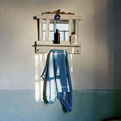 """απο την εκπομπή του: """"στο κόκκινο 93,4 fm """"   TA KOKKINA BHMATA THΣ NYXTAΣ  επιλογή παρουσίαση: Τέλλος Φίλης  διεύθυνση παραγωγής: Ιάσων Μπάντιος  ηχολήπτης : Μενέλαος Εξίογλου  photo: George Awde από το λεύκωμα του  «Scale Without Measure»,  Miroir Kurde. Qamishli, Syrie. 2010 Towel, Mirror"""