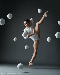 Dancing is silent poetry. #Ballet_beautie  #sur_les_pointes  * Ballet_beautie, sur_les_pointes *