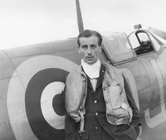 Battle of Britain pilot Neville Duke, who later broke the World Air Speed record, pictured with his Spitfire at RAF Biggin Hill in Photo by Cecil Beaton. Ww2 Aircraft, Military Aircraft, The Spitfires, Cultura General, Cecil Beaton, Supermarine Spitfire, War Photography, Documentary Photography, Battle Of Britain
