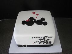 Elegant mickey & Minnie cake <3