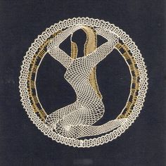 renda de bilros / bobbin lace signos / horoscope Bobbin Lacemaking, Bobbin Lace Patterns, Lace Heart, Victorian Lace, Lace Jewelry, Lace Making, Lace Collar, String Art, Signs