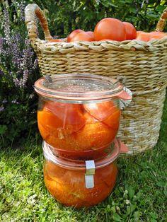 kudy-kam: Konzervování  Nakládaná rajčata Moscow Mule Mugs, Salsa, Tableware, Dinnerware, Tablewares, Salsa Music, Dishes, Place Settings