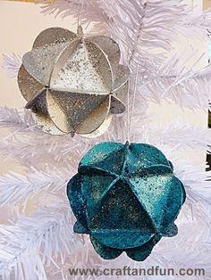 Riciclo Creativo - Craft and Fun: Palline di Natale con Carta Riciclata