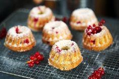 Ribizlis-kókuszos mini kuglóf | Street Kitchen Cake & Co, Pound Cake, Minion, Doughnut, Cheesecake, Muffin, Sweets, Breakfast, Food