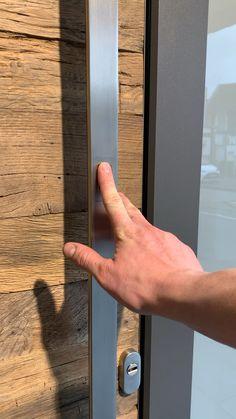 Modern Entrance Door, Main Entrance Door Design, Modern Exterior Doors, Home Entrance Decor, Front Door Design, Modern Door, House Entrance, Entrance Doors, Wooden Door Design