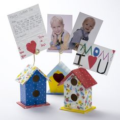 Leave a special note for mom with these hand-painted bird house stands for Mother's Day! Let your mom know how special she is by creating these fun bird houses, painted in her favorite colors for her to display on her office desk. This is a grea project for crafters of all ages to show their love from Mom or Grandma this Mothers Day. Mother's Day Projects, Diy Craft Projects, Diy Crafts, Craft Ideas, Photo Coasters, Mothers Day Special, Types Of Craft, Mothers Day Crafts, Easy Gifts