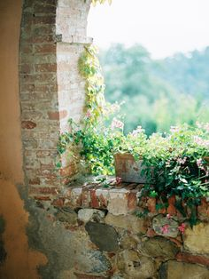 Outdoor Rooms, Outdoor Living, Under The Tuscan Sun, Cottage Design, Italy Wedding, Country Farmhouse, My Dream Home, Windows And Doors, Places To Go
