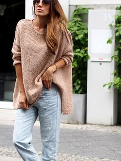 #americanvintage #wool #knit #sweater #oversized #oversize #layering #boyfriend #jeans #denim #ripped #streetstyle #berlin #fashionblogger #ootd #outfit #look #style #autumn #trends #helloshopping #effortless #sophisticated #whowhatwear #instyle