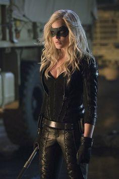 "The (new) Black Canary! From ""Arrow"" :D Time to update my Black Canary cosplay! Arrow Black Canary, White Canary, Emily Bett Rickards, Supergirl, Sara Lance Arrow, Harley Quenn, Super Heroine, Arrow Tv Series, O Flash"