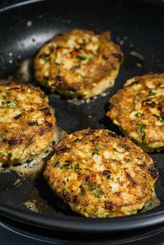 Not only are these top notch crab cakes they're low carb crab cakes! A perfect use for leftover crab meat. Not only are these top notch crab cakes they're low carb crab cakes! A perfect use for leftover crab meat. Primal Recipes, Low Carb Recipes, Cooking Recipes, Healthy Recipes, Healthy Options, Healthy Eats, Paleo Meals, Paleo Food, Keto Foods