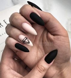 Want some ideas for wedding nail polish designs? This article is a collection of our favorite nail polish designs for your special day. Best Acrylic Nails, Matte Nails, My Nails, Black Nails, Wedding Nail Polish, Wedding Nails, Beauty Nail, Fire Nails, Dream Nails