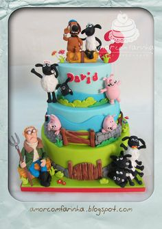 Shaun the sheep-cake. I think I like this better than Fynn haha! I need this for MY next birthday. . .or my sons.  Hehehehe