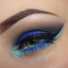Paulina created this beautiful Blue Lagoon look using Sugarpill, Inglot and Sleek eyeshadows!