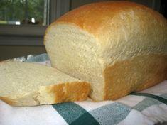 Softest Ever Bread Machine Bread - Bread recipes - Homemade Bread Best Bread Machine, Soft White Bread Machine Recipe, Bread Machine Banana Bread, Bread Machine Reviews, Ma Baker, Bread Rolls, Dough Recipe, Bagels, Challah