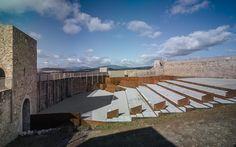 Adequação do pátio do Castelo de El Real de la Jara / Villegas Bueno Arquitectura