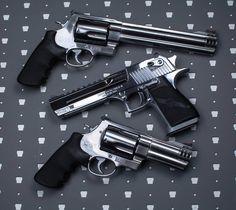 697 отметок «Нравится», 4 комментариев — 2 Glocks Strapped (@tgs_arms) в Instagram: «500 club #manshit»