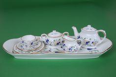 Miniature tea set Coalport Pageant Childrens Tea Sets, English Country Style, Small Tea, Ceramic Boxes, Tea Pot Set, Mini Things, High Tea, Teacups, Dollhouses