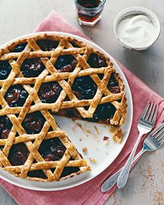 what a great looking tart for jewish holidays! Woven Dried-Fruit Tart