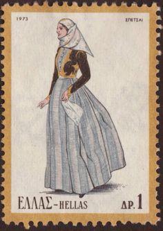 """Η γυναικεία φορεσιά των Σπετσών και γενικότερα της Ερμιονίδας αποτελείται από το ζιπούνι από ευρωπαϊκή ή ανατολική στόφα. Παλιότερα είχε ένα πράσινο πολύπτυχο φουστάνι με βυσσινί ποδόγυρο, που αργότερα αντικαθίσταται από ένα φόρεμα εποχής. Το καθημερινό ή γιορτινό κεντητό ή άλλο μαντήλι, τις """"πιέτες"""" ή το """"τσεμπέρι"""" , διευθετείται με προσοχή στο κεφάλι και συγκρατείται με ειδικού τύπου καρφίτσες, όπως η """"μάρκα"""", το """"κοφινάκι"""", το """"χεράκι"""". Διατηρείται για αρκετό καιρό, όμως καταργείται…"""