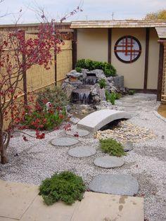 Create a small Japanese garden - Tips and sch - Japanese Garden Design Japanese Garden Backyard, Japanese Garden Landscape, Small Japanese Garden, Japan Garden, Japanese Garden Design, Chinese Garden, Japanese Gardens, Small Oriental Garden Ideas, Small Garden Stream Ideas
