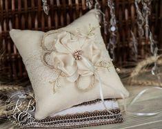 Rustic  ring bearer pillow / Ivory Burlap  от RusticBeachChic, $29.00