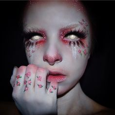 Sending you off to bed with something creepily beautiful to dream about! Kimberleymargarita_ wearing eyeshadows, cream paint and Iconic lashes! Inspired by Clown Makeup, Fx Makeup, Costume Makeup, Makeup Inspo, Makeup Inspiration, Beauty Makeup, Cosplay Makeup, Fantasy Hair, Fantasy Makeup