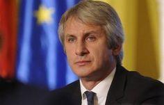 Ministrul Finanțelor, Eugen Teodorovici, a declarat miercuri că românii vor scăpa de poprirea pe conturi. Această decizie va fi luată la pachet cu alte măsuri