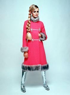 Sylvia In Vogue: Photoshoot: Twiggy in pink dresses Mod Fashion, 1960s Fashion, Fashion Models, Vintage Fashion, Fashion Trends, Fast Fashion, Fashion Art, Fashion Women, High Fashion