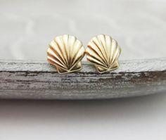 1Pair  S038 Fashion Seashell Stud Earrings Sea Shell Earrings Nautical Ariel Mermaid Studs Conch Earrings For Beach Party-in Stud Earrings from Jewelry on Aliexpress.com   Alibaba Group