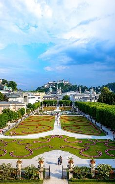 Mirabellgarten, Salzburg, Austria One of my favorite places! Places Around The World, Oh The Places You'll Go, Places To Travel, Places To Visit, Around The Worlds, Travel Destinations, Innsbruck, Wonderful Places, Beautiful Places