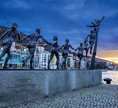 'Livet, leiken og draumane' - my favorite statue in Bergen <3   Statue by Arne Mæland (plus link to photographer's instagram)