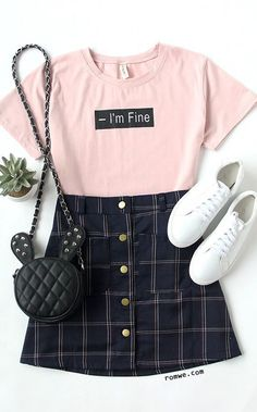 Looks com camisetas bem humoradas New Year, New Vibe! Looks with humorous t-shi Teen Fashion Outfits, Mode Outfits, Cute Fashion, Outfits For Teens, Girl Fashion, Womens Fashion, Pink Outfits, Fashion Ideas, Fashion Boots