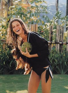 downthisroad-elle-us-may-2000-gisele-bensimon-1.jpg (550×744)
