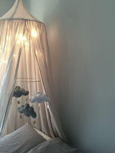 Soft light for kids decor Baby Bedroom, Kids Bedroom, Parents Room, Little Girl Rooms, Kid Spaces, Bedroom Colors, Boy Room, Interior Design Living Room, Kitchen Interior